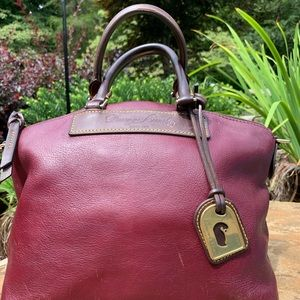 ✨👜✨Dooney&Bourke Florentine Leather Satchel ❤️